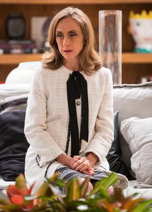 Vitória fica desolada com mudanças em seus planos (Foto: Ellen Soares/Gshow)