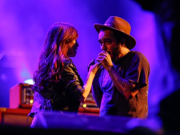Pitty canta com Marcelo D2 no show do Planet Hemp no festival João Rock 2015 (Foto: Marcel Minguini/G1)