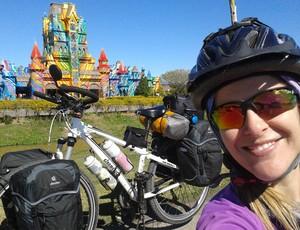 Carol Emboava ciclista Santa Catarina (Foto: Divulgação/ Arquivo pessoal)