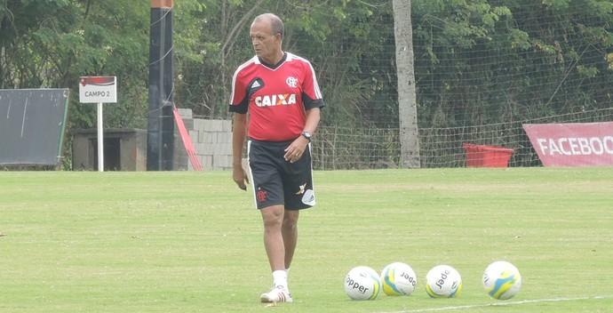 Jayme comanda treino no Ninho (Foto: Cahê Mota/GloboEsporte.com)