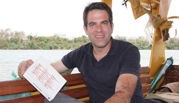 O apresentador Délio Pinheiro é o novo imortal da Academia Montes-clarense de Letras. (Foto: Arquivo Pessoal)