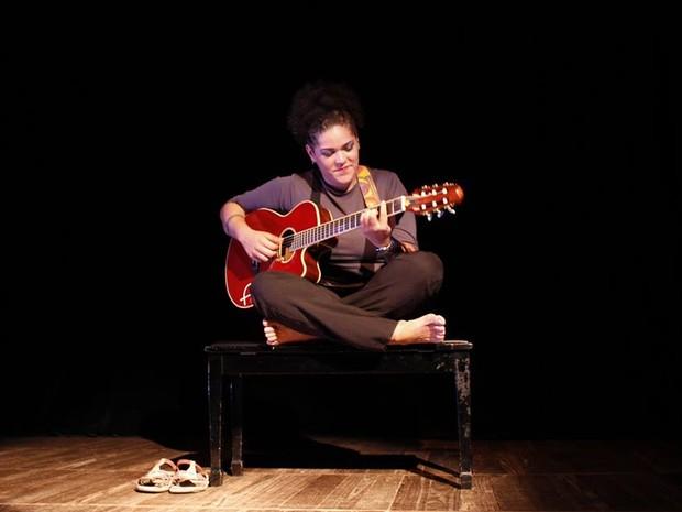 Natalhinha Marinho mistura música e literatura (Foto: Divulgação/Teatro Deodoro)