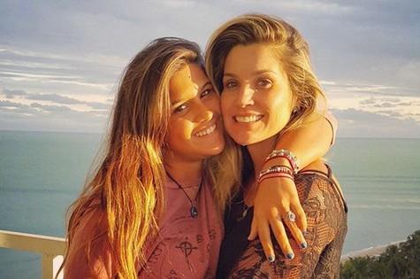 Flávia Alessandra e a filha, Júlia (Foto: Reprodução)