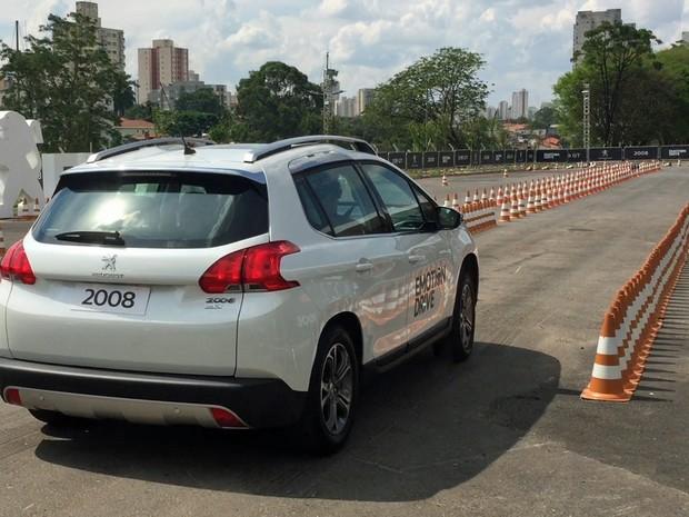 Test-drive da Peugeot no Salão do Automóvel (Foto: Reprodução)
