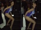 Ana Paula Renault se solta e dança hit do funkeiro MC G15 de maiô