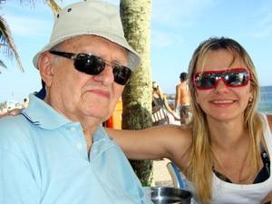 Luiz Felippe e Ligia em foto tirada em um quiosque na Praia do Arpoador, no Rio (Foto: Arquivo Pessoal)