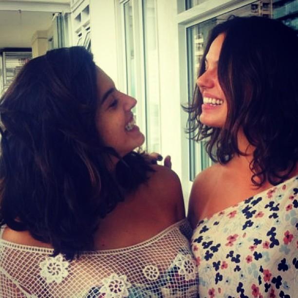 Giovanna Lancelotti e Ísis Valverde (Foto: Instagram / Reprodução)