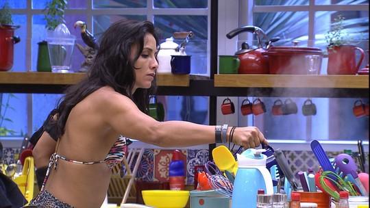 Ieda e Marinalva preparam o almoço