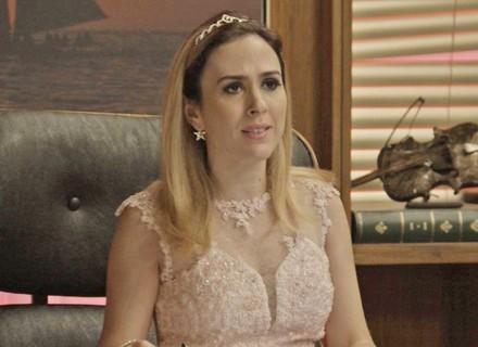 Fedora manda pintar presidência do Grand Bazzar de rosa