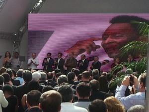 Pelé se emocionou durante cerimônia (Foto: Rodrigo Martins/G1)