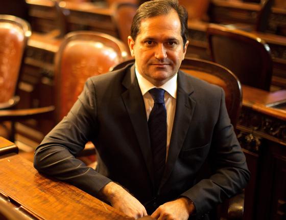 O deputado Edson Albertassi (PMDB), na Assembleia Legislativa do Rio de Janeiro. (Foto: Daniel Marenco / Agencia O Globo)