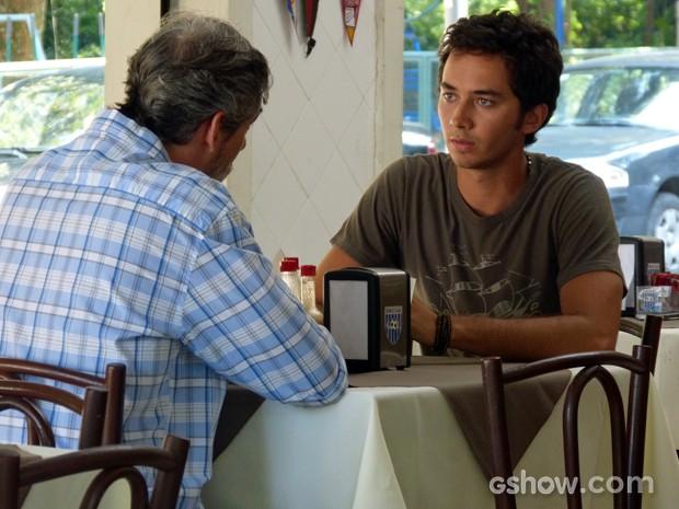 Ben fica sabendo sobre a denúncia (Foto: Malhação / TV Globo)