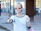Reese Witherspoon é multada por estacionamento irregular