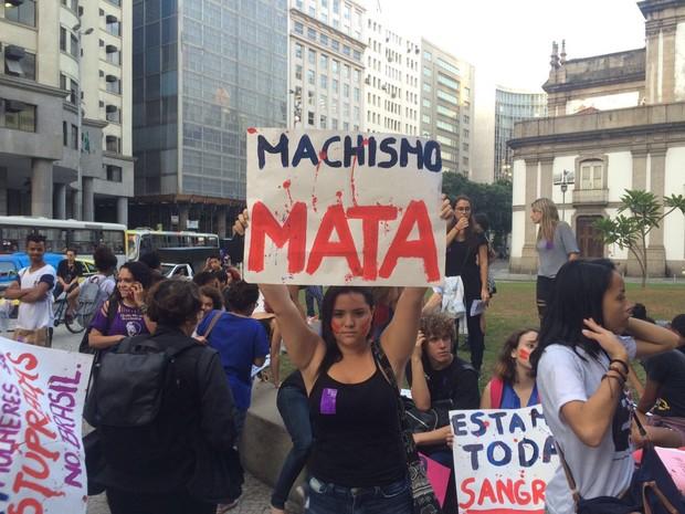Mulheres se concentram para ato no Centro do Rio (Foto: Nicolás Satriano/G1)