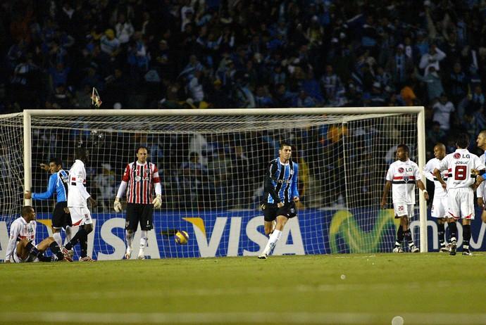 Grêmio x São Paulo no dia 09/05/2007 (Foto: EFE)
