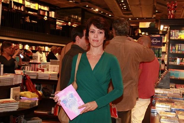 Bel Kutner no lançamento do livro de Maitê Proença (Foto: Isac Luz / EGO)