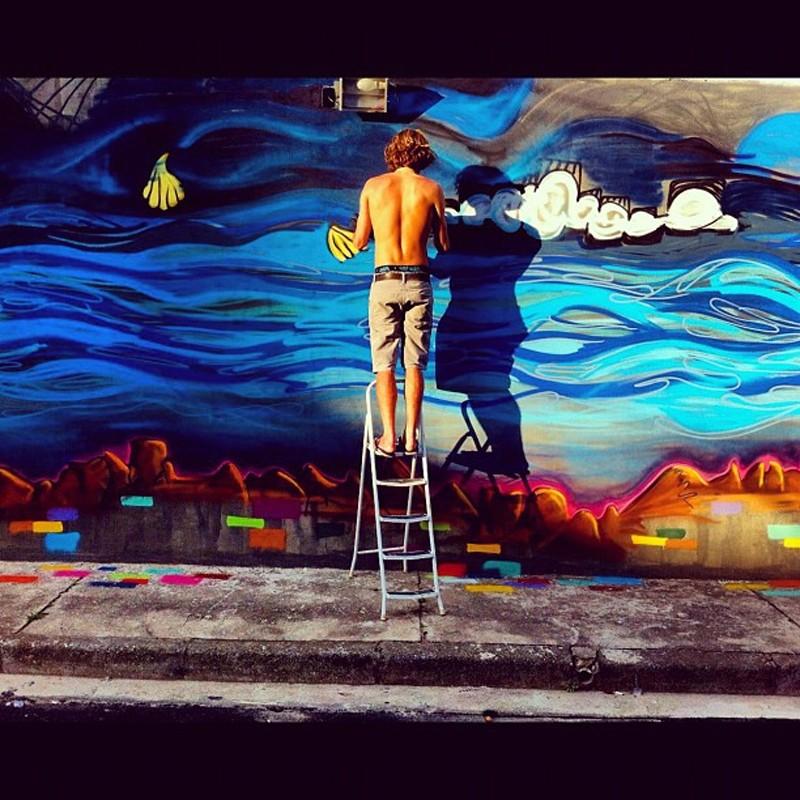 Modelo Mihaly Martins inaugura exposição com fins beneficente  (Foto: Reprodução/Instagram)