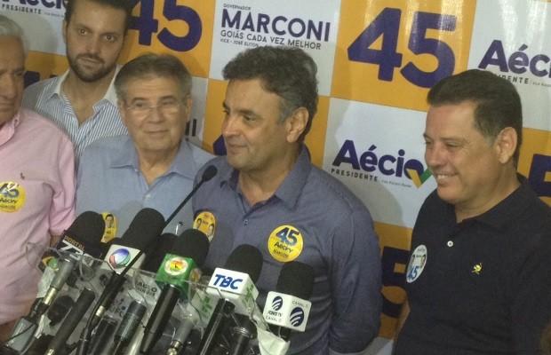 Aécio diz que campanha rival ficará para a história pelo 'mais baixo nível'