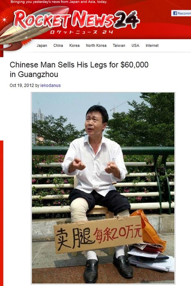 Pedestres se reuniram ao lado de homem, que tinha faca de açogueiro para cortar o 'produto' (Foto: Reprodução/Rocket News)