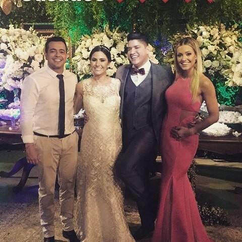 Henrique, com a namorada Raissa Naves, e Diego com a mulher, Annaí (Foto: Reprodução/Instagram)