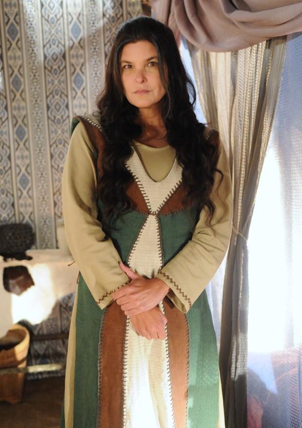 Cristiana Oliveira como Mara em 'A Terra Prometida' (Foto: Munir Chatack/ Record)