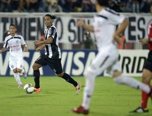Ronaldinho, Zamora x Atlético-MG (Foto: AFP)