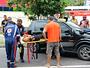 Colisão entre carros deixa duas pessoas feridas, em Manaus