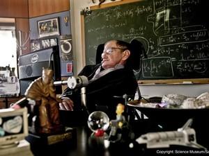 Físico britânico Stephen Hawking completou 70 anos neste domingo. (Foto: AFP)