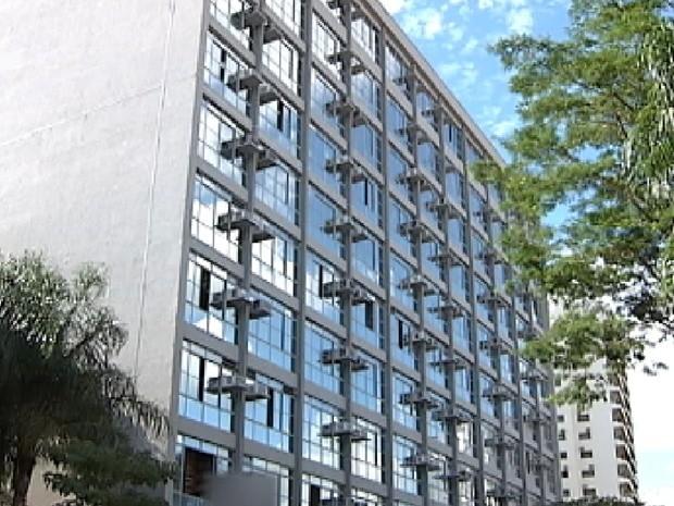 Se aprovado reajuste, prefeitura vai gastar mais de R$ 600 mil a mais por mês em folha de pagamento. (Foto: Reprodução / TV Tem)