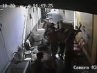 Dupla armada invade autoescola e rouba 12 celulares e notebook no PI