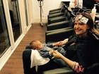 Fernanda Rodrigues muda o visual. O bebê da atriz acompanhou tudinho!