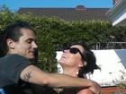 Namoro ou amizade? No Dia dos Solteiros, relembre famosos que mantiveram a relação em segredo