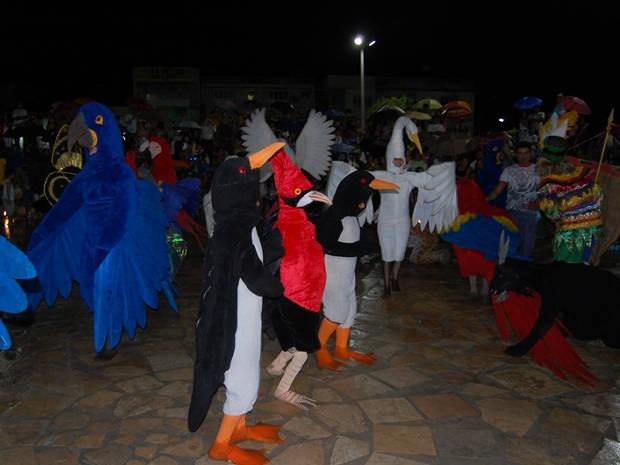 Cordão da Bicharada em apresentação na Praça central de Cametá. (Foto: Divulgação)