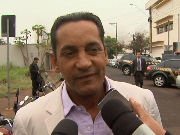 Walter Gomes (PTB), na sede da Polícia Federal em Ribeirão Preto (SP) (Foto: Reprodução/EPTV)