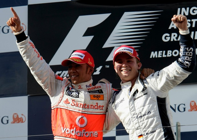 Lewis Hamilton, na época na McLaren, e Nico Rosberg, na Williams, no primeiro pódio do alemão na F1, no GP da Austrália de 2008 (Foto: Getty Images)