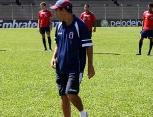 Técnico Ricardinho treina o Paraná Clube antes do jogo contra o América-MG (Foto: Divulgação/site oficial do Paraná Clube)