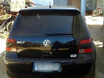 Polícia apreendeu o carro onde universitária foi assassinada. (Foto: Polícia Civil/MT)