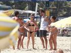 Fernanda Lima curte praia ao lado do marido, Rodrigo Hilbert