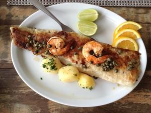 Congrio grelhado é um dos pratos mais pedidos na região (Foto: Luíza Fregapani/G1 SC)