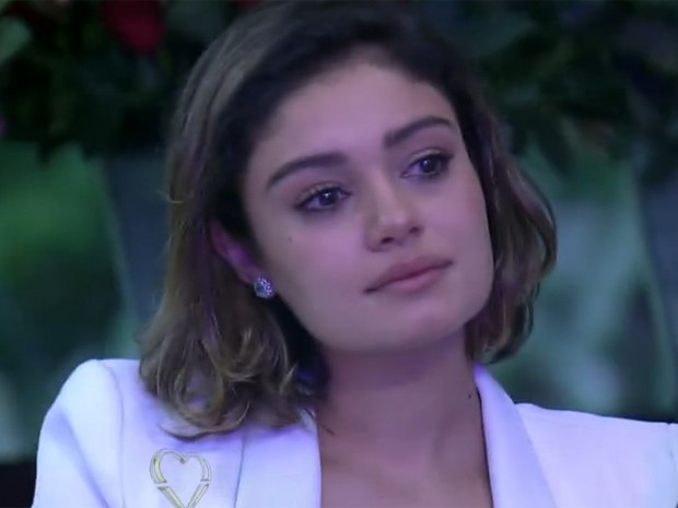 Sophie Charlotte se emociona ao ouvir tema romântico de Sangue Bom (Foto: Mais Você / TV Globo)
