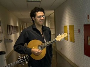 Músico Hamilton de Holanda se apresenta em Vitória (Foto: Reprodução/ TV Gazeta)