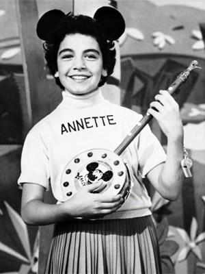 Annette Funicello no programa 'Clube do Mickey' em 1955 (Foto: Divulgação )