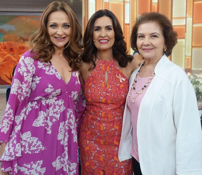 Fátima com Alexandra Ricter e a mãe da atriz (Foto: Juliana Hippertt/Gshow)