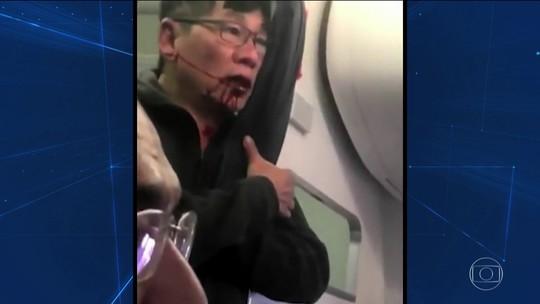 Passageiro tirado à força de avião faz ações da United Airlines caírem