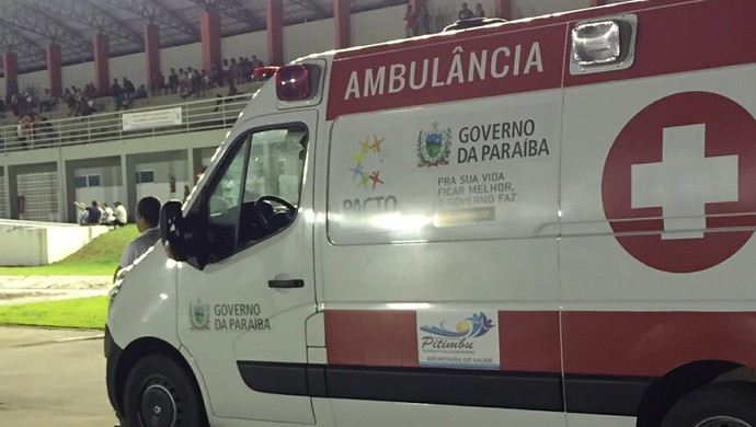 ambulância, pitimbu, estádio tomazão, joão pessoa (Foto: Globoesporte.com/pb)