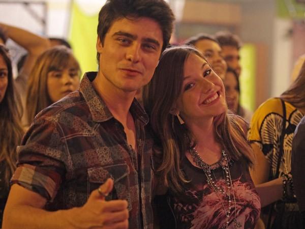 Lia e Vitor (Foto: TV Globo/Malhação)