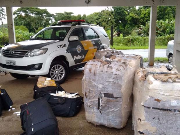 037a5ff1338 Mercadorias do Paraguai não tinham documentação fiscal (Foto  Cedida Polícia  Militar Rodoviária)