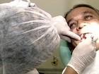 Especialistas ensinam a manter a saúde bucal e evitar cáries nos dentes