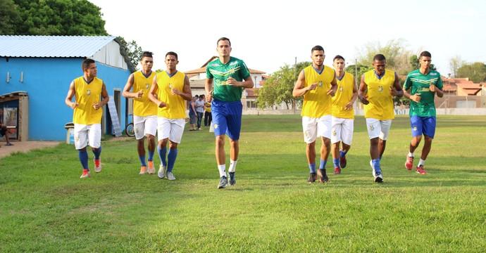 Jogadores fizeram um corrida leve na apresentação (Foto: Nelio Soares/GloboEsporte.com)