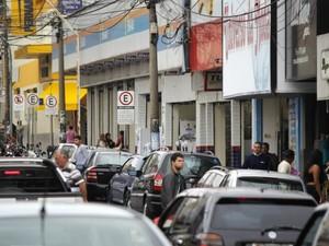Comércio na região central de São Carlos (Foto: Fabio Rodrigues/G1)